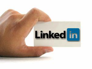 por que es tan importante redactar un extracto en linkedin. marta morales castillo, periodista, community manager, social media manager, redes sociales